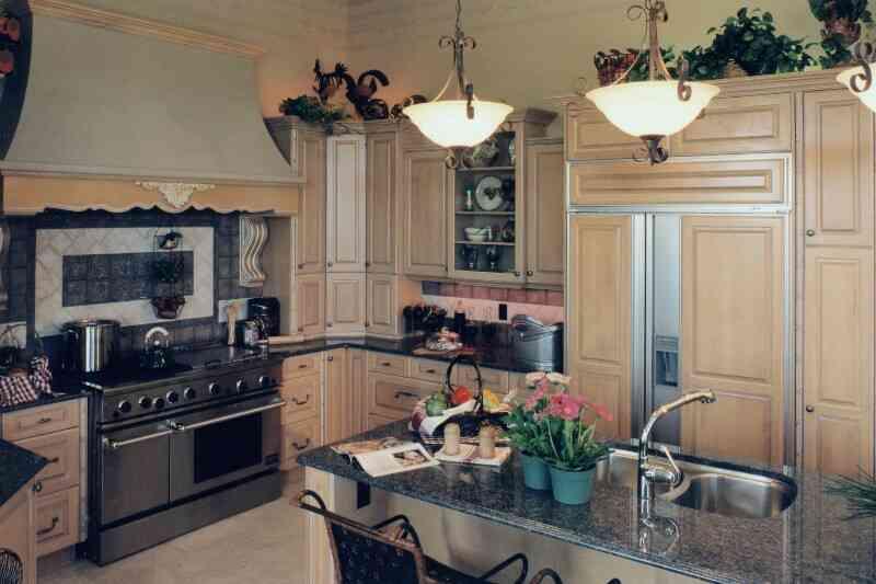дизайн кухни стандартной квартиры фото